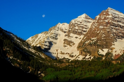 Maroon Bells Moonset