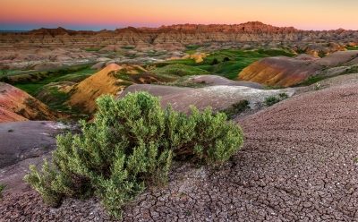 Yellow Mounds Sunrise – Badlands National Park
