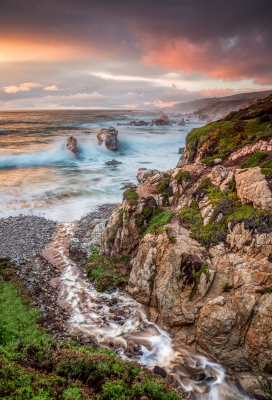 Soberanes Creek And  Sea Stacks In Garrapata State Park – Big Sur, Ca