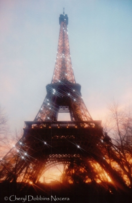 Le Tour Eiffel At Sunset