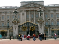 Crowd-less Buckingham Palace