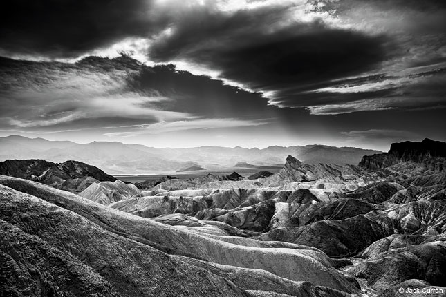 This step by step plan offers an easily digestible process for shooting black and white photography its an interesting look at learning to envision a