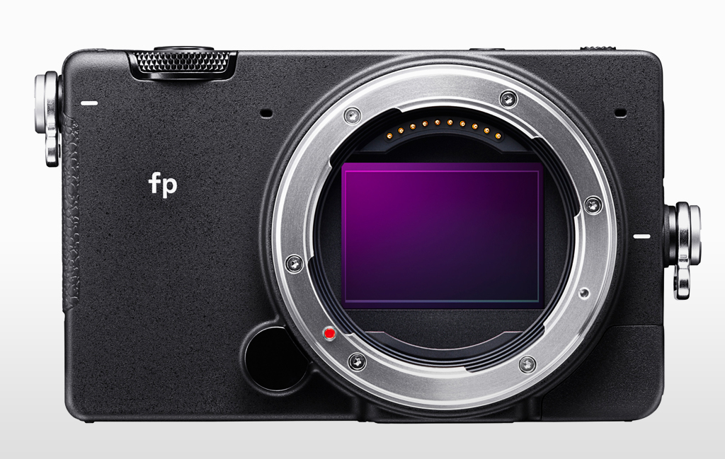 Sigma fp Front