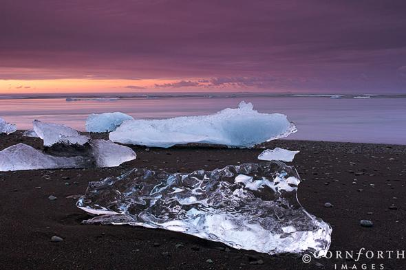 Jokulsarlon-Beach-Sunset-2_Skaftafell-National-Park-Iceland