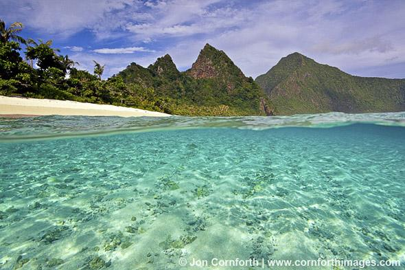 Ofu-Island-Over-Under-2_National-Park-of-American-Samoa-Ofu-Island-American-Samoa