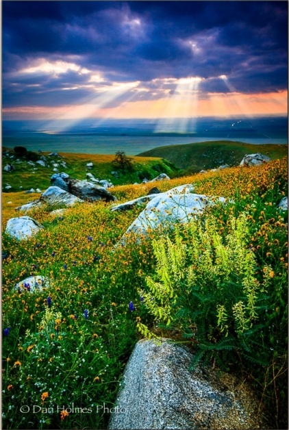 Dan-Holmes-Sun-Rays-Over-The-Valley