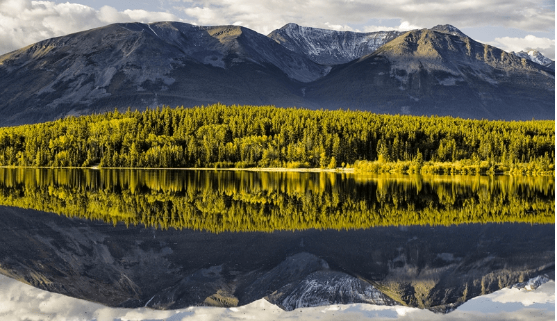 Reflections On Pyramid Lake by Bob Bush