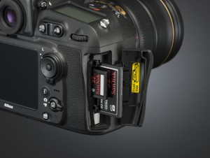 Nikon D810 CF/SD Card Slot