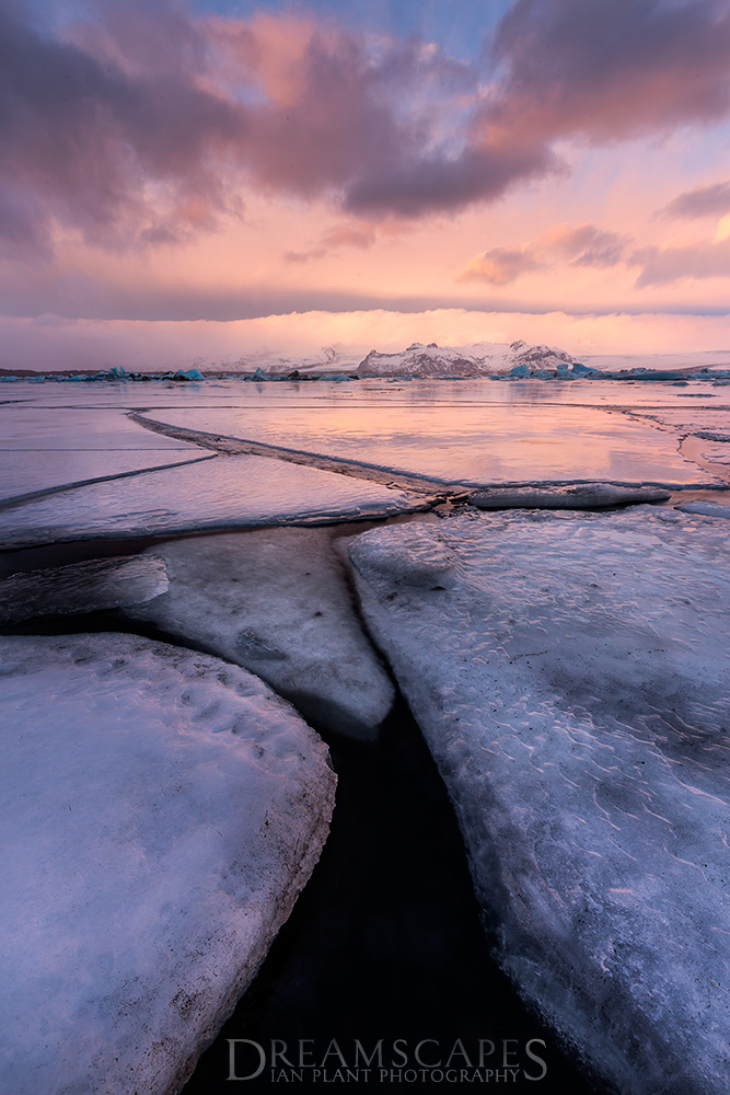 Ice-at-sunrise,-Jokulsarlon,-Iceland