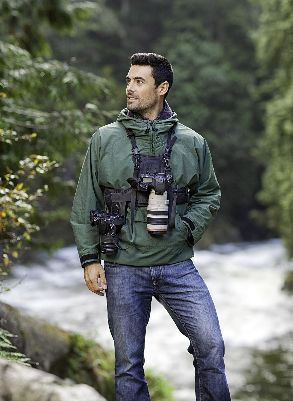 Cotton-Carrier_2-Camera-Vest