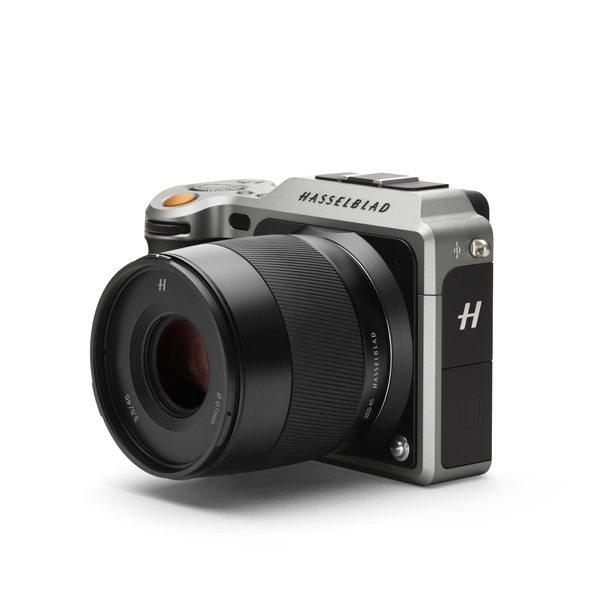 3/4 side view of Hasselblad's X1D mirrorless medium format camera.