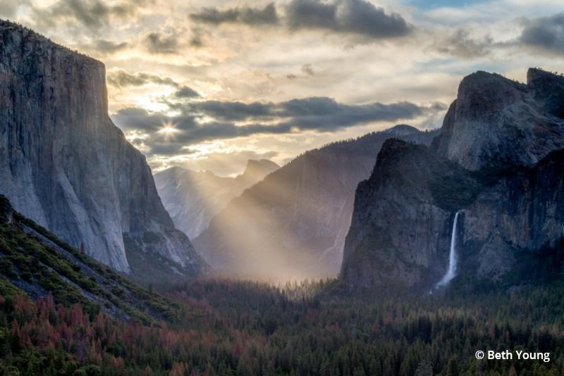 "Today's Photo Of The Day is ""Tunnel View God Rays"" by Beth Young. Location: Yosemite National Park, CA."