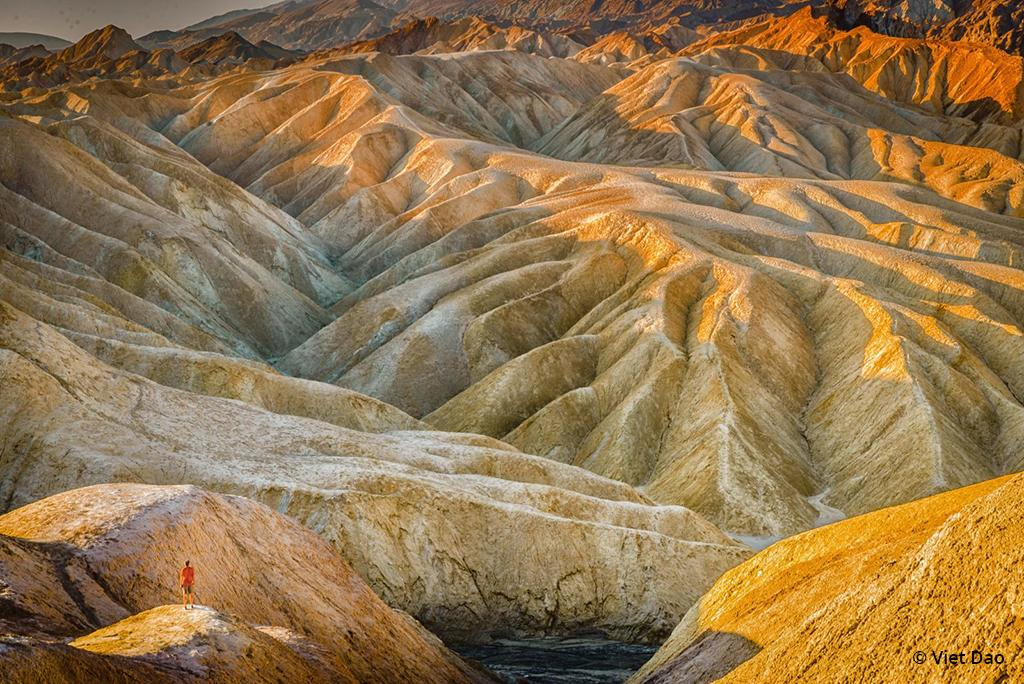 "Today's Photo Of The Day is ""Greeting Sunrise at Death Valley National Park"" by Viet Dao. Location: California."