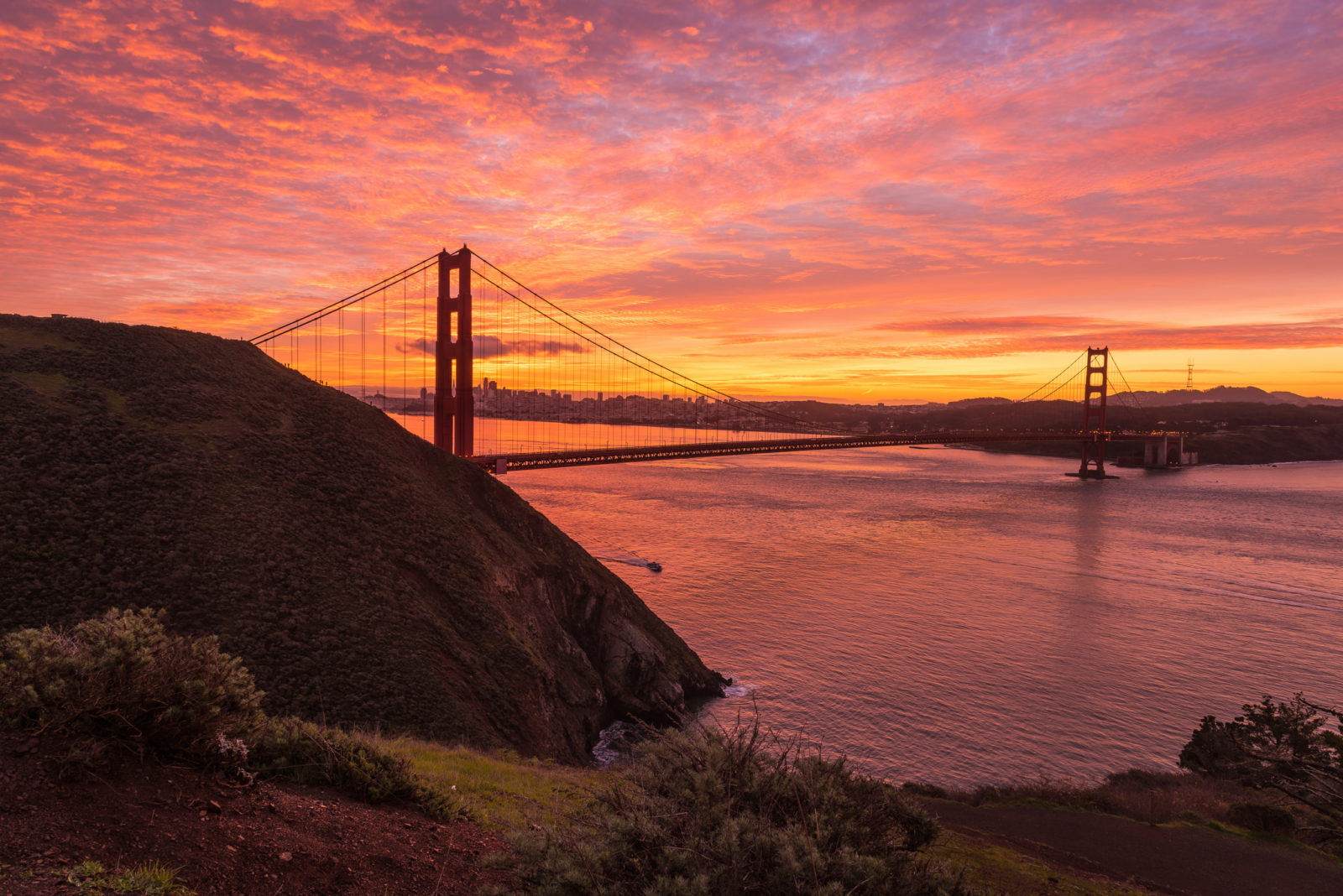Scattered Fire Clouds Over Golden Gate Bridge - Outdoor ...